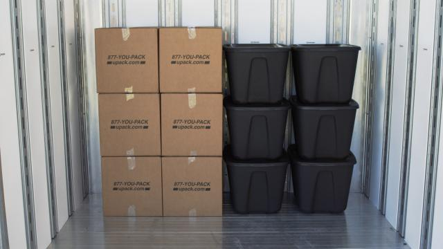 boxes vs. totes for moving & Should I use plastic totes or moving boxes for my move? | U-Pack Aboutintivar.Com